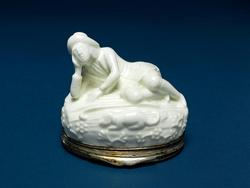An image of Snuffbox